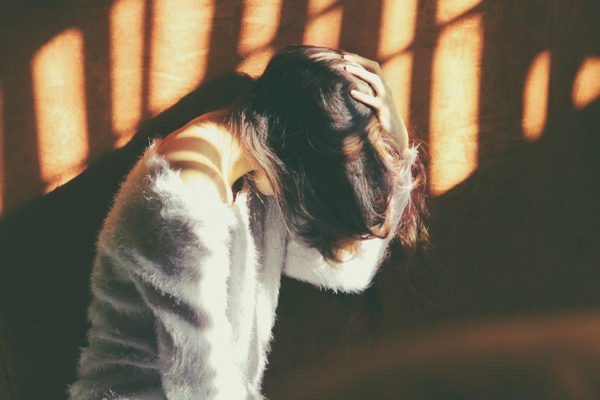 Simptomele din timpul sarcinii care nu trebuie neglijate – Durerea de cap