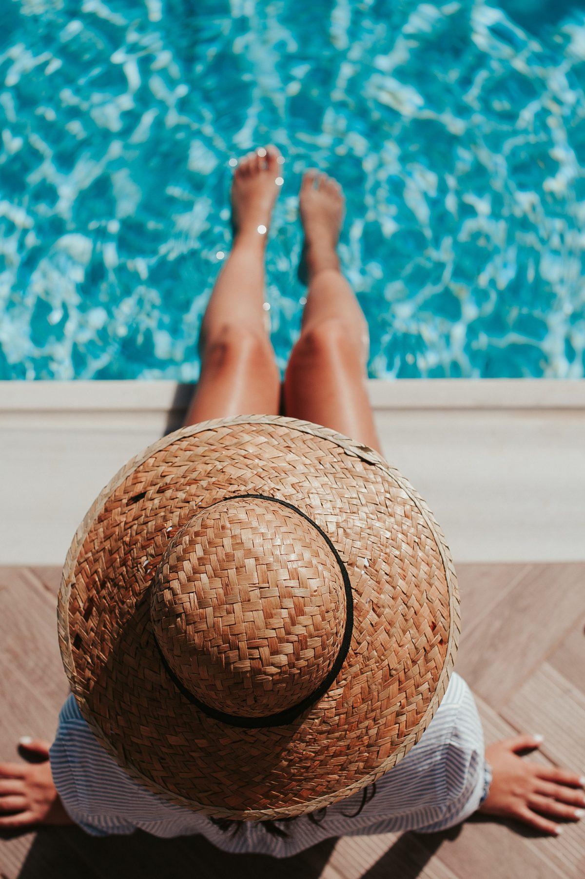 Tot ce trebuie să știi despre înotul în sarcină