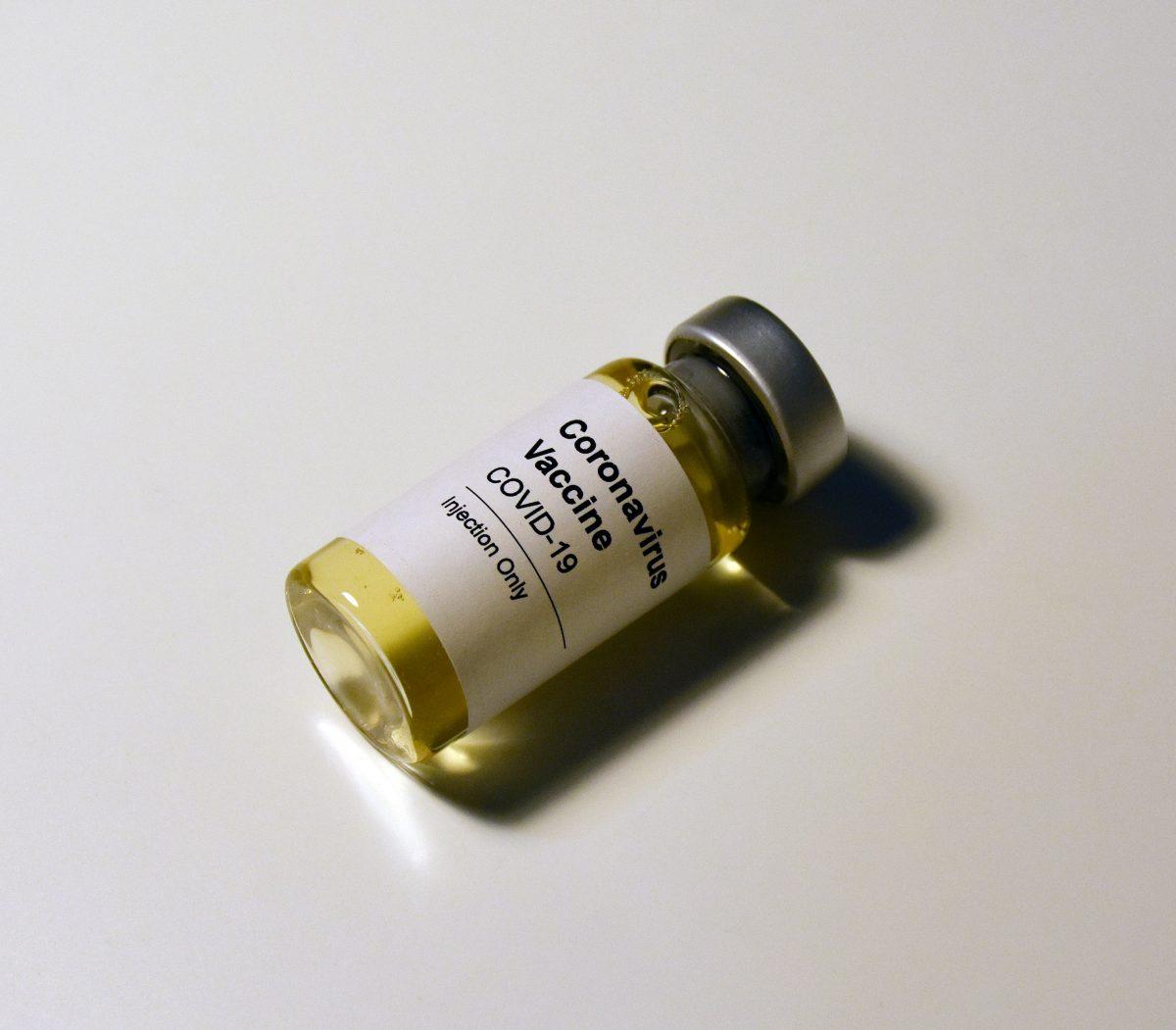 Vaccinul anti-COVID-19 în sarcină: permis sau interzis?